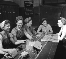 Lunch hour at Penn Railroad, 1943